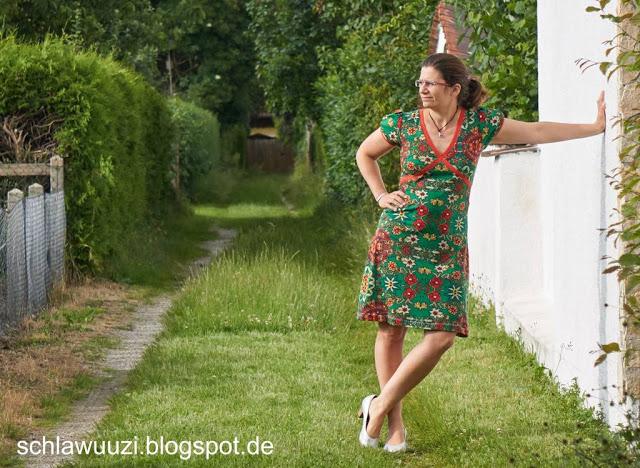 Schnabelinas Kreuzkleid - das erste